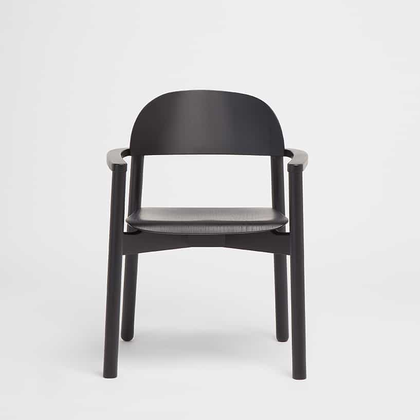 Another Country Arc chair with Arms in black from the frontview, designed by Alain Gilles
