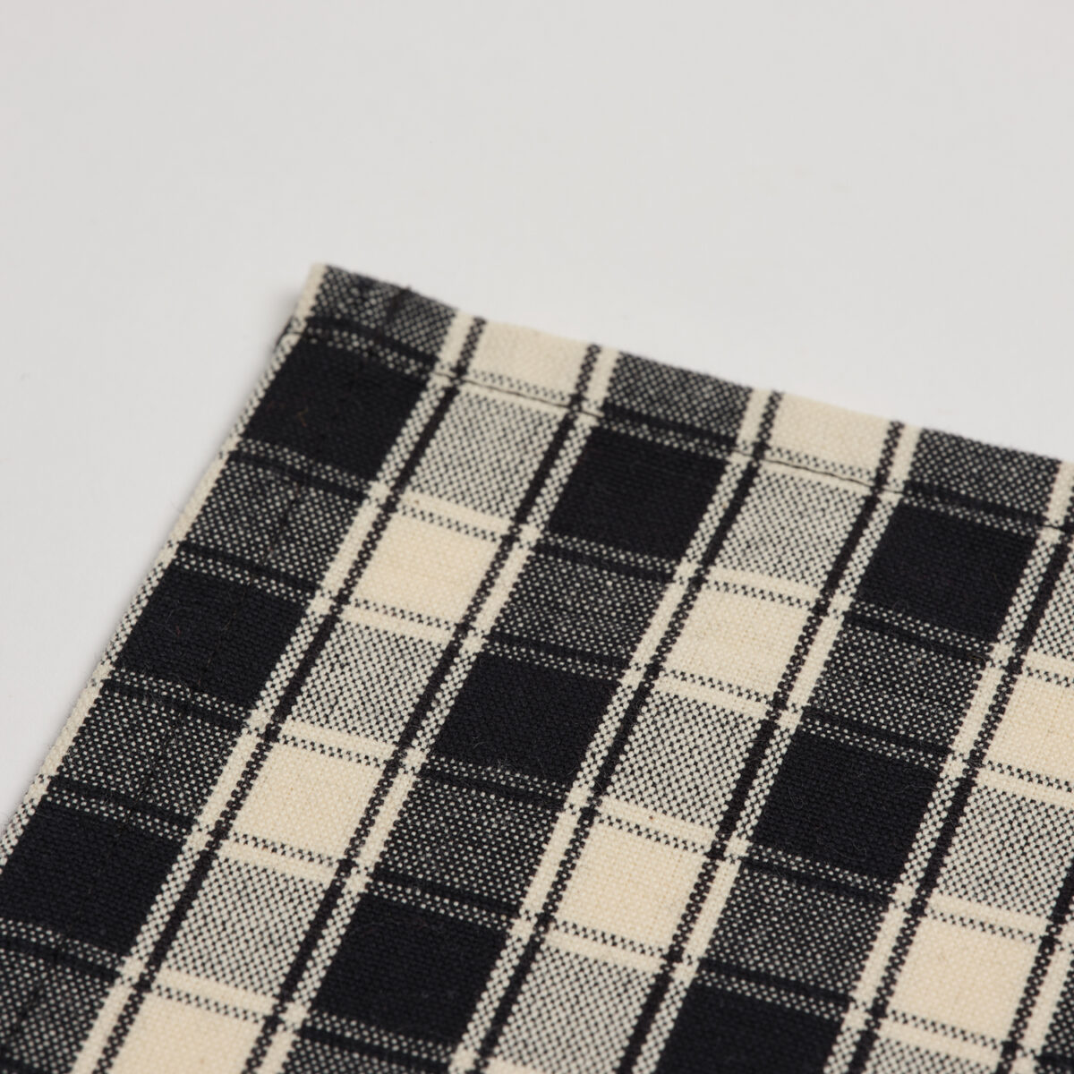 Black Checked Placemat 002