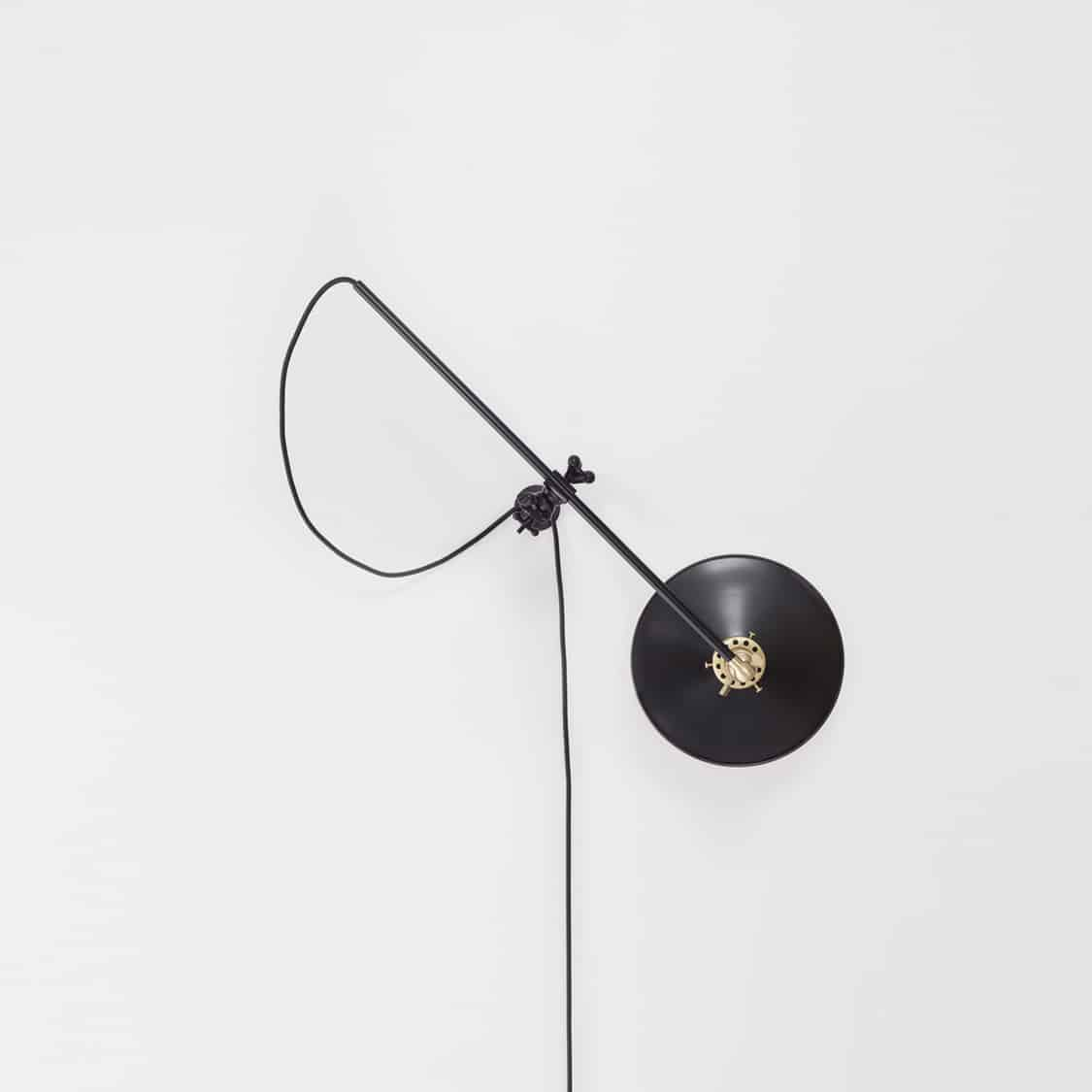 Black Wall-Lamp_Middle