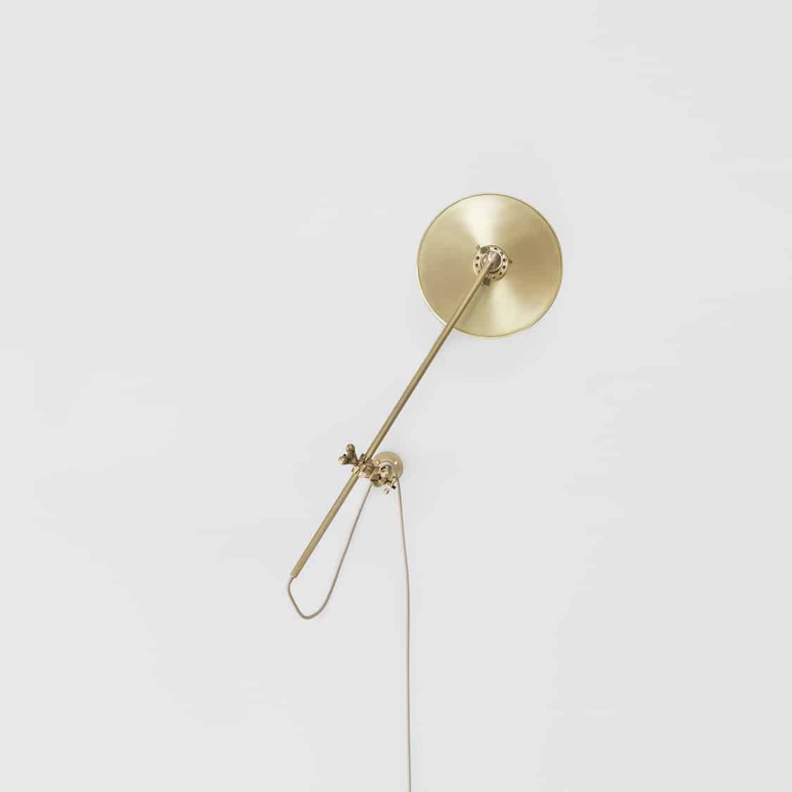 Brass-Wall-Lamp_Up