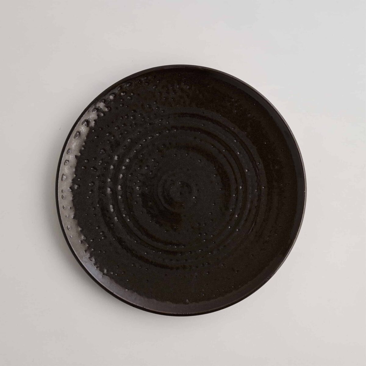 Marland Dinner Plate Matt Black – Another Country – Photo Credit Yeshen Venema – web ready -21.11.185334
