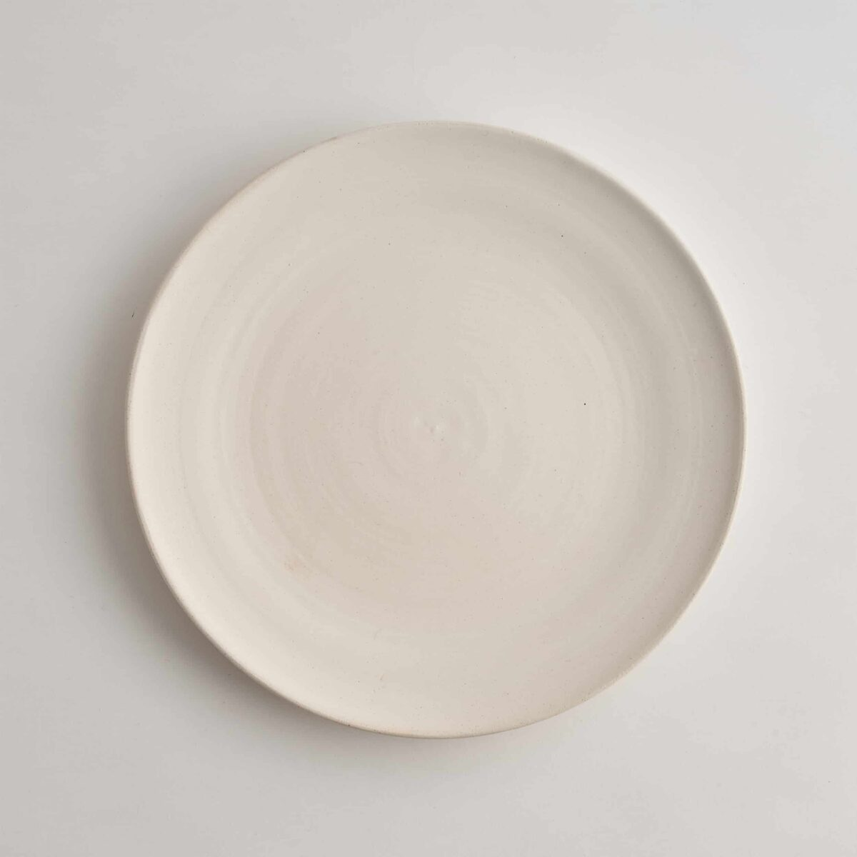 Marland Dinner Plate Matt White – Another Country – Photo Credit Yeshen Venema – web ready -21.11.185337