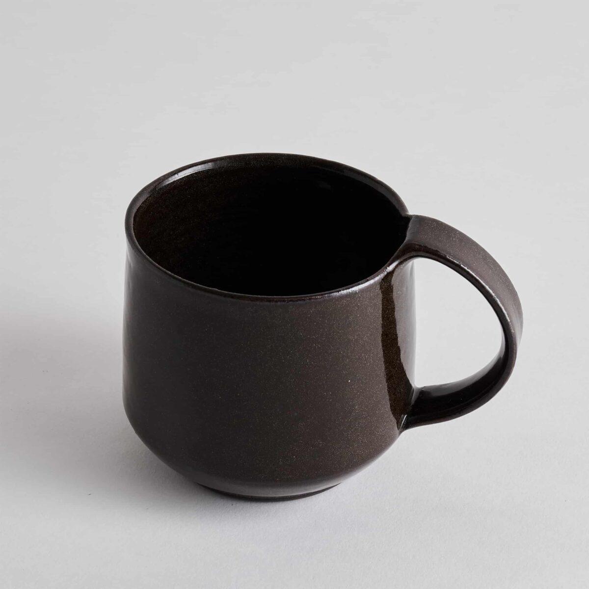 Marland Mug Black Gloss – Another Country – Photo Credit yeshen Venema -web ready – 21.11.185283