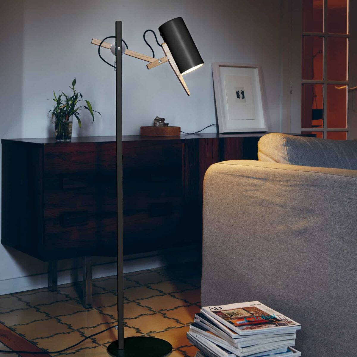 Marset Scantling Floor Lamp – Black