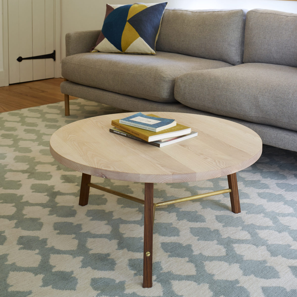 coffee_table_two_blue_white_rug