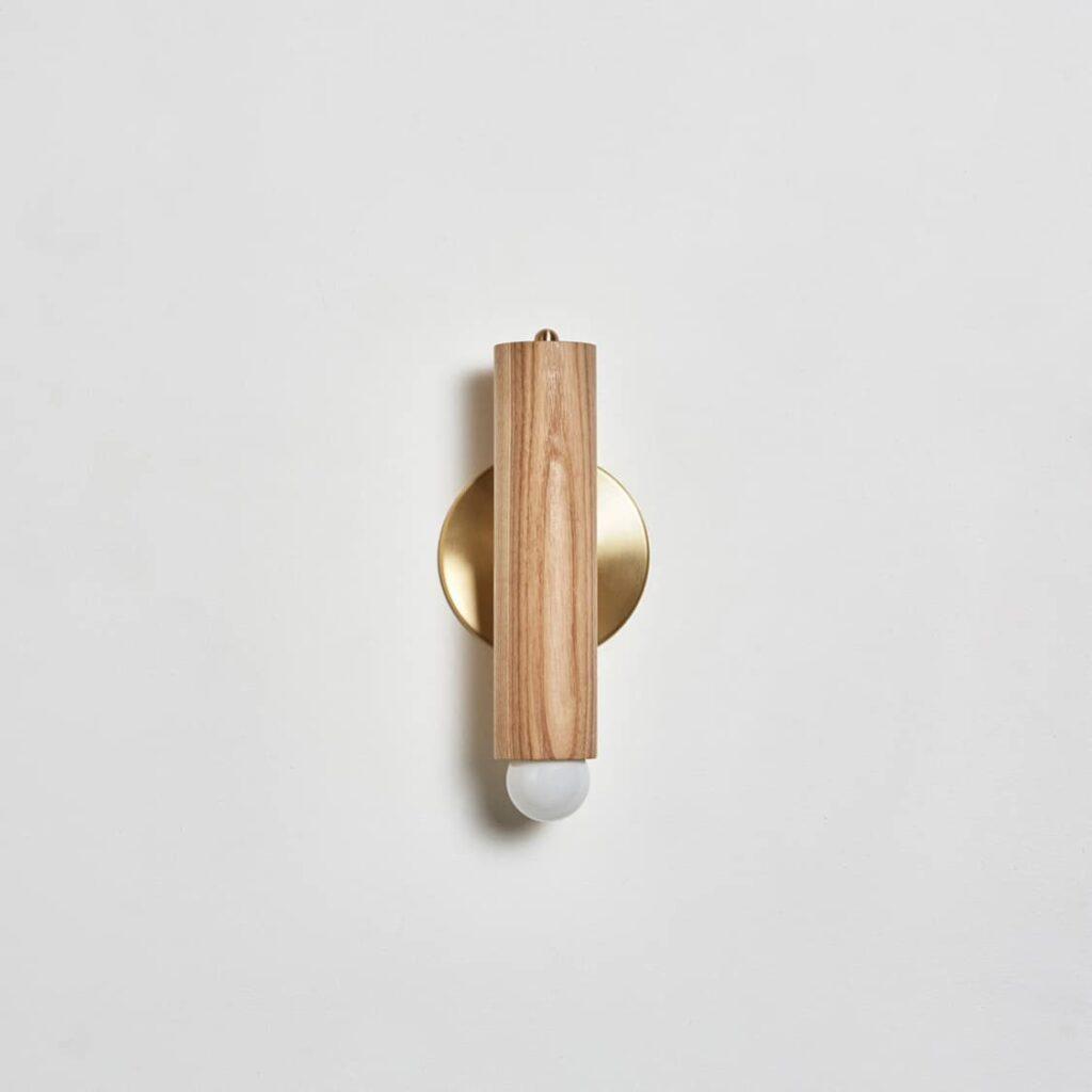 Lodge Sconce Oak / Hewn Brass