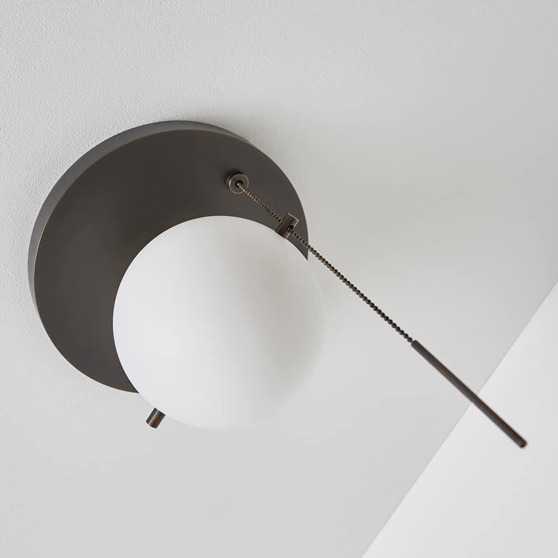 Signal-Flush-Mount_Bronze_Oblique_Off