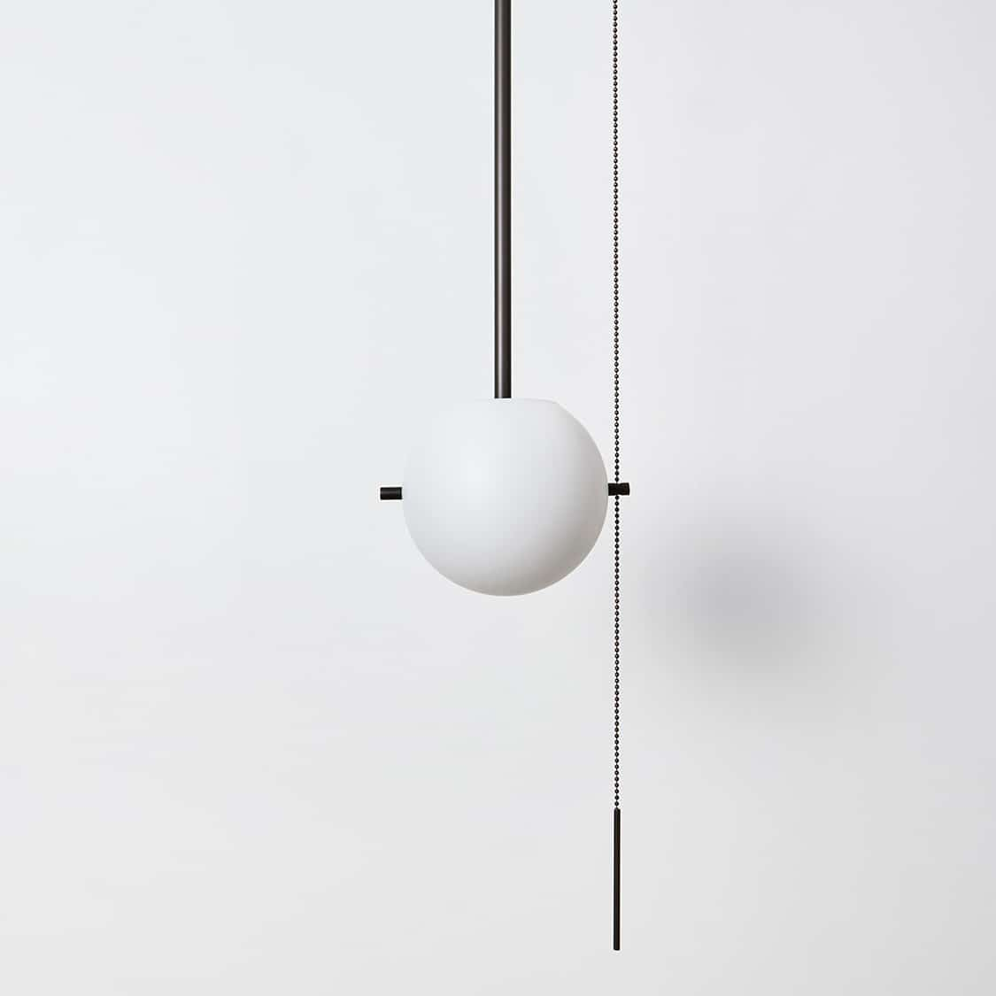 Signal-Pendant_Bronze_Globe-Off_Detail