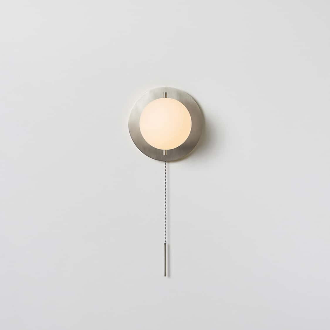 Signal-Sconce_Nickel_On