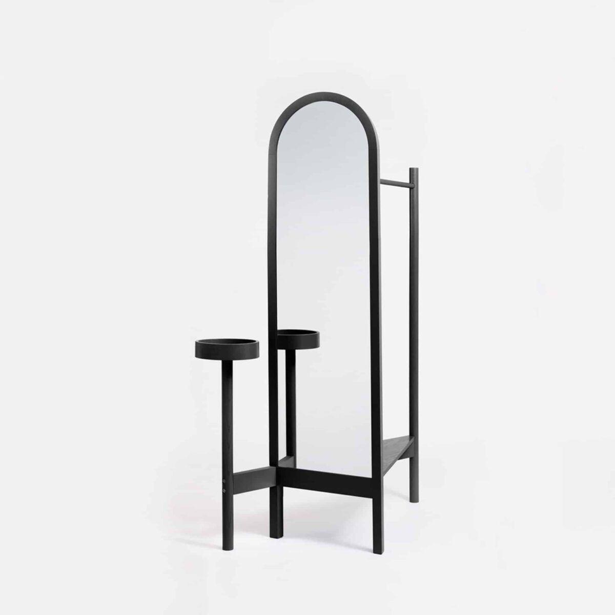 aeries-two-valet-stand-black-another-country-001