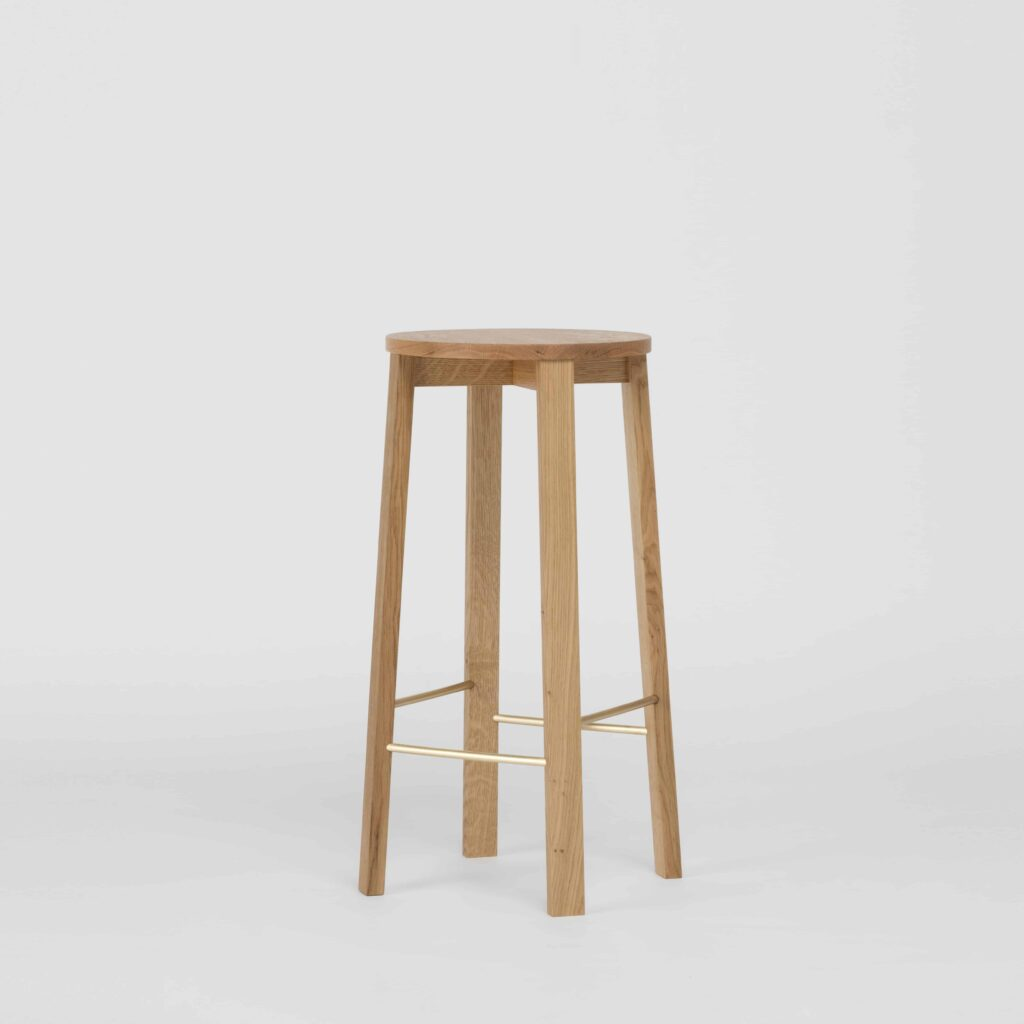 Bar stool four in oak