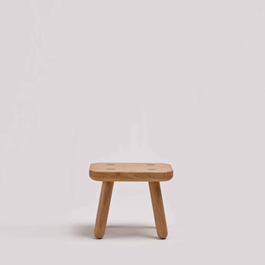 Step up stool one in oak