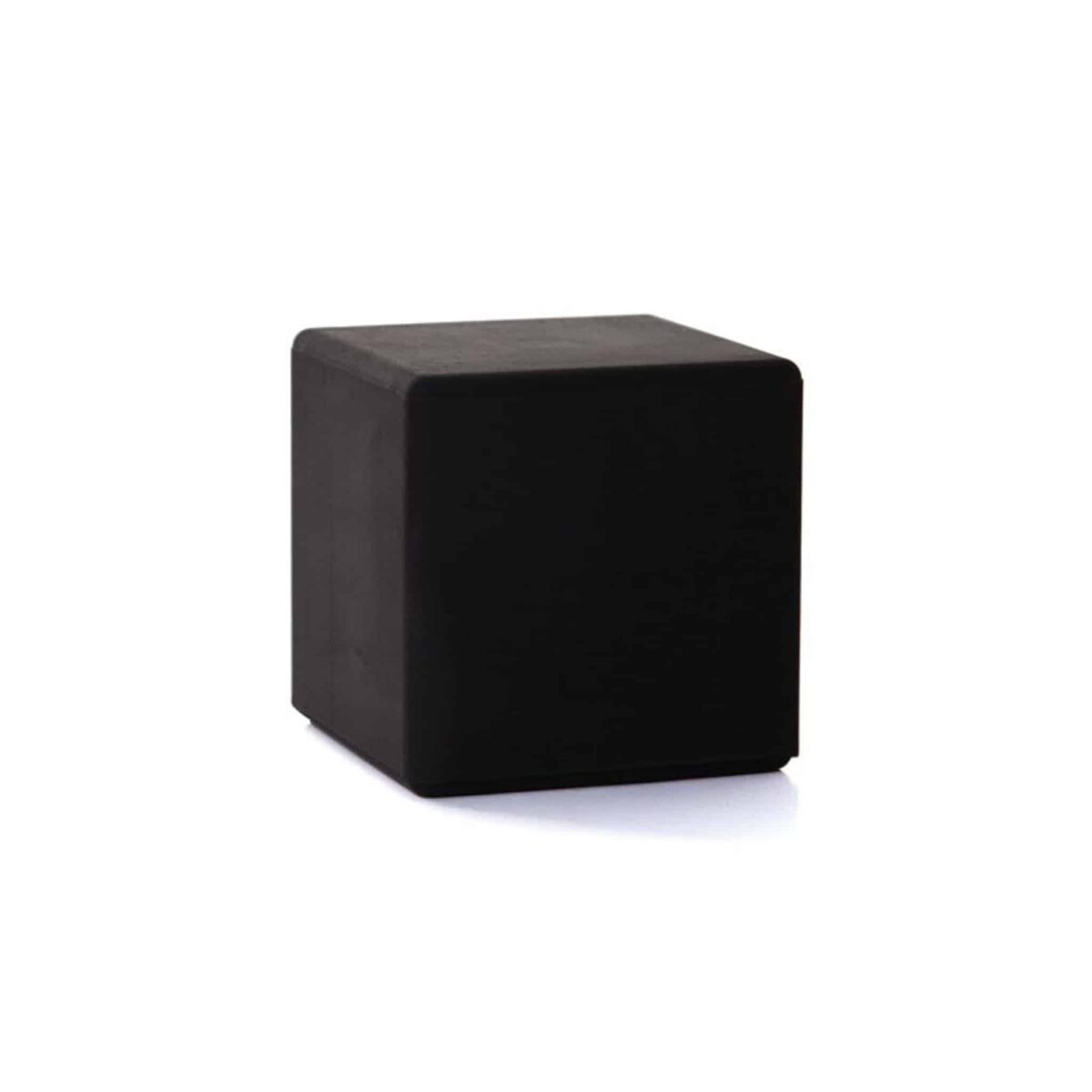 kuro-cube–another-country-001