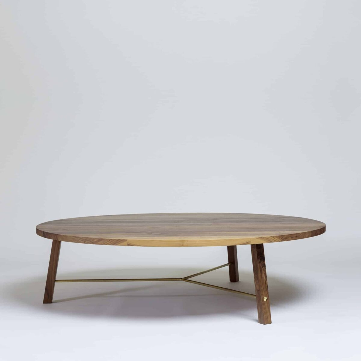 series-two-coffee-table-round-another-country-003