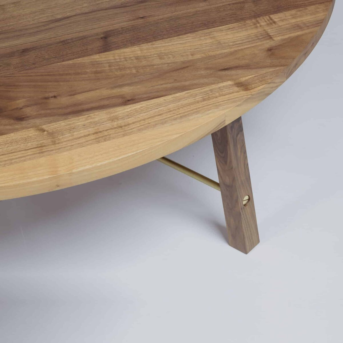 series-two-coffee-table-round-another-country-004