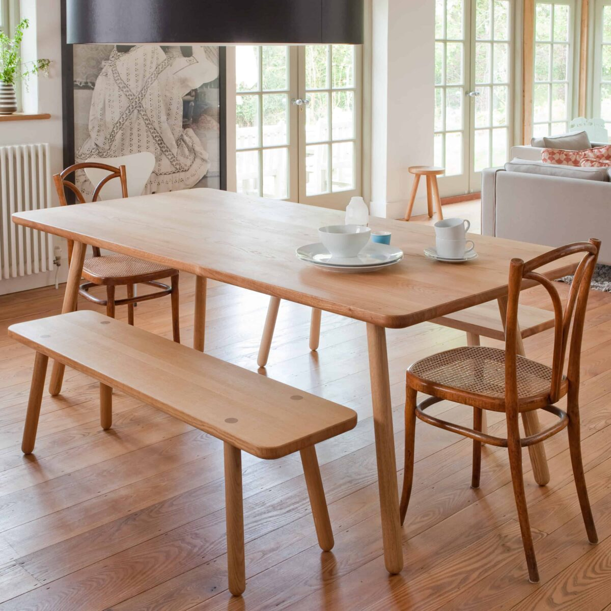 series_one_lifestyle_dining_table_bench_another_country_001