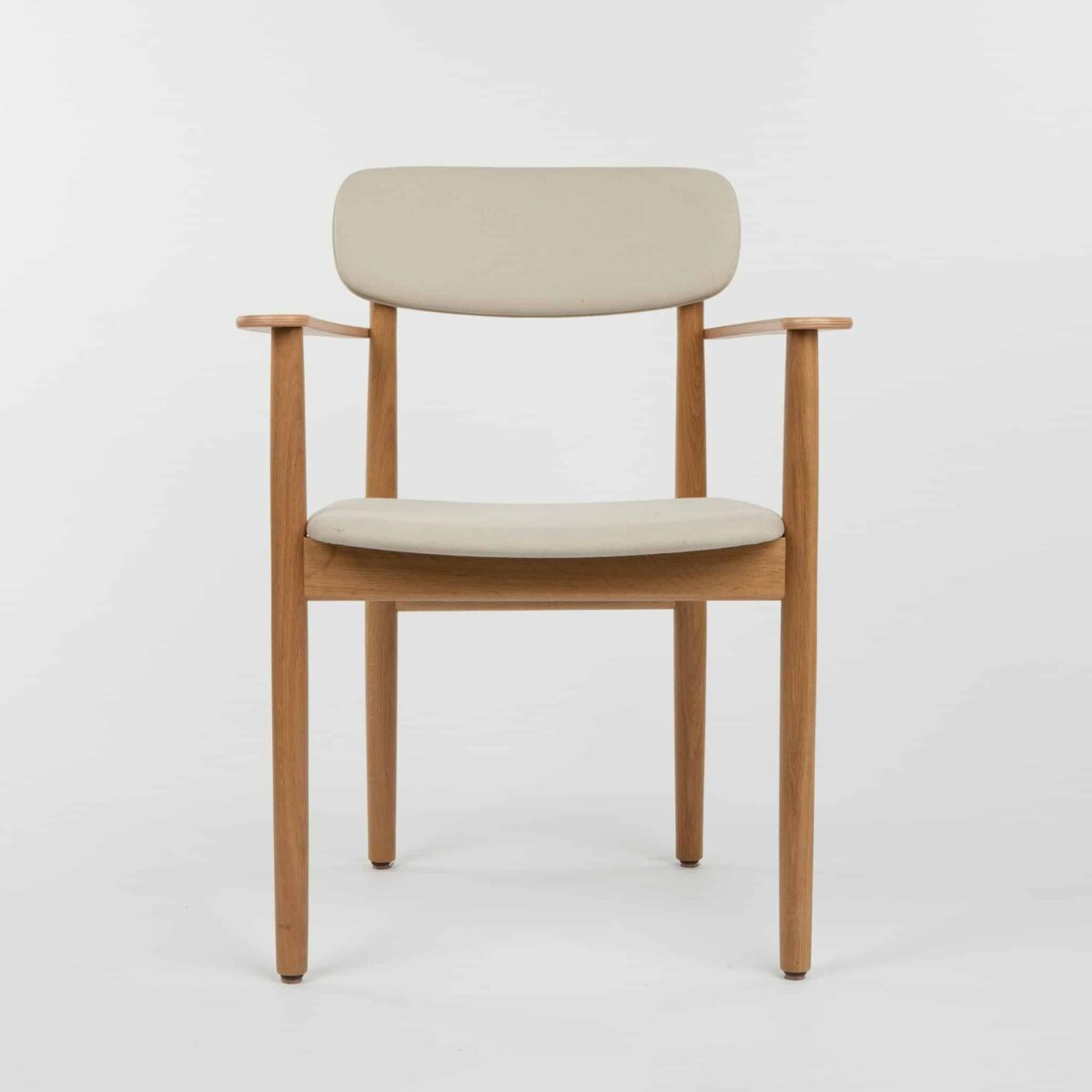 thonet-130-chair-with-armrests-upholstered-another-country-001.jpg